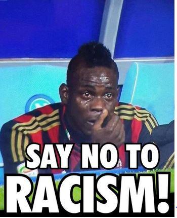Qualcuno sfotte Balotelli su Twitter