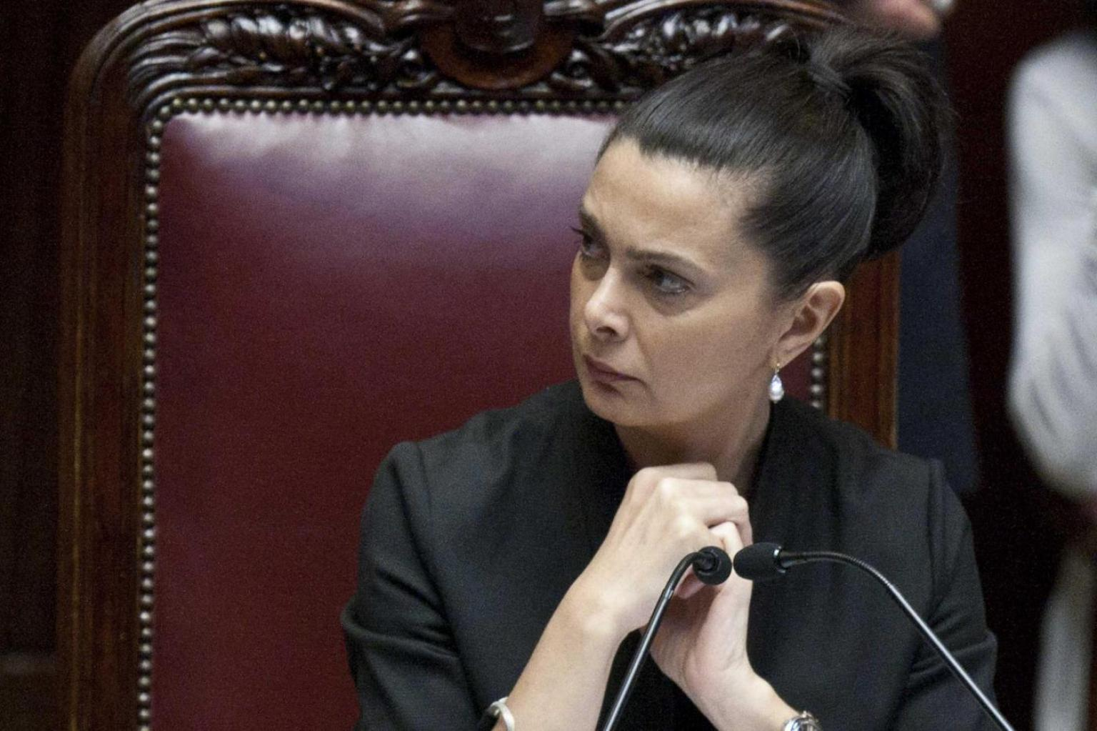 Movimento 5 stelle roberta lombardi denuncia laura for Presidente movimento 5 stelle