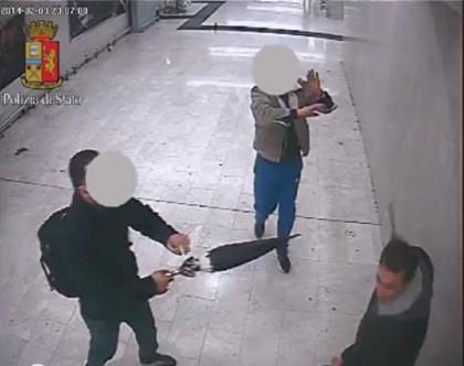aggressione mannaia stazione milano (4)