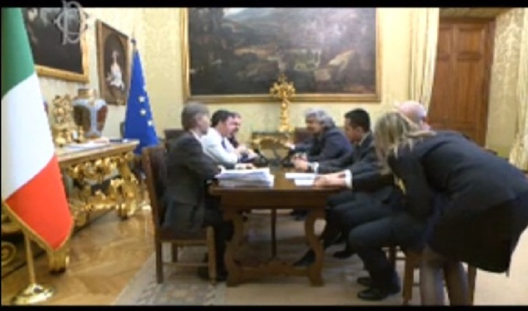 http://www.giornalettismo.com/wp-content/uploads/2014/02/beppe-grillo-matteo-renzi-streaming21.jpg