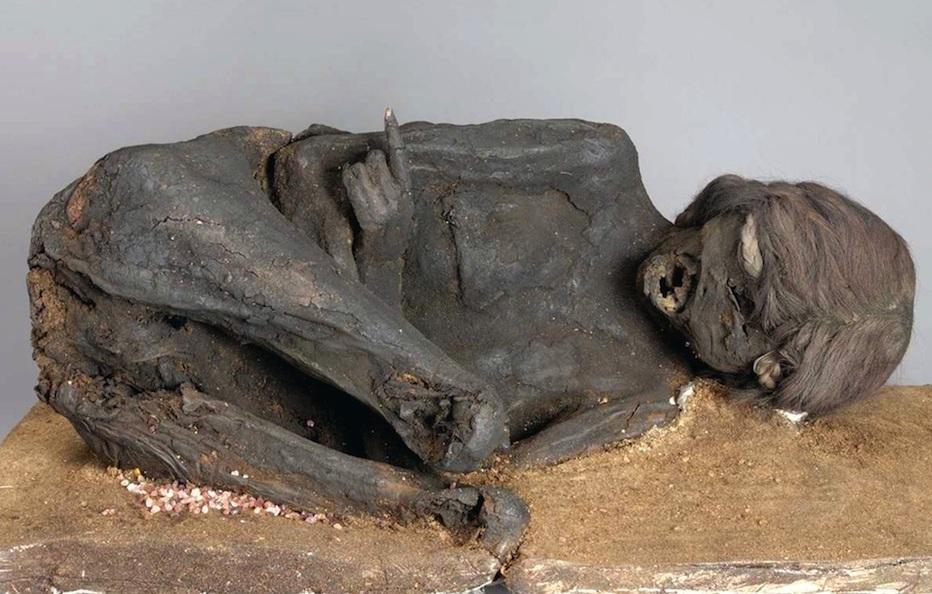 mummia donna uccisa brutalmente