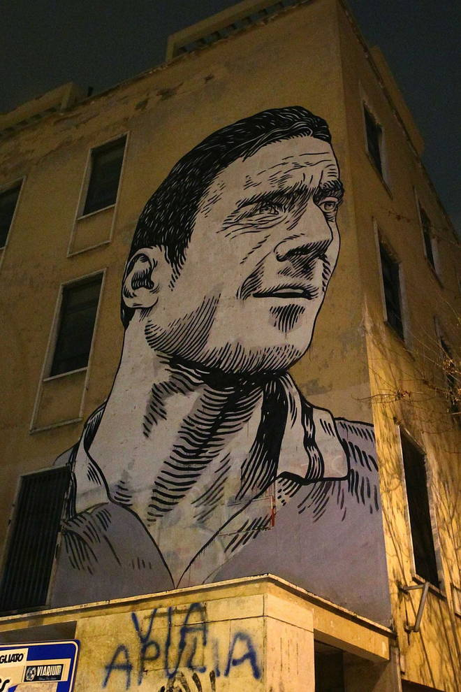 murales francesco totti