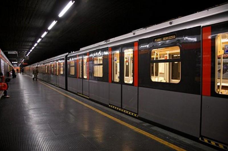 negozi-dimenticati-metropolitana-milanese (6)
