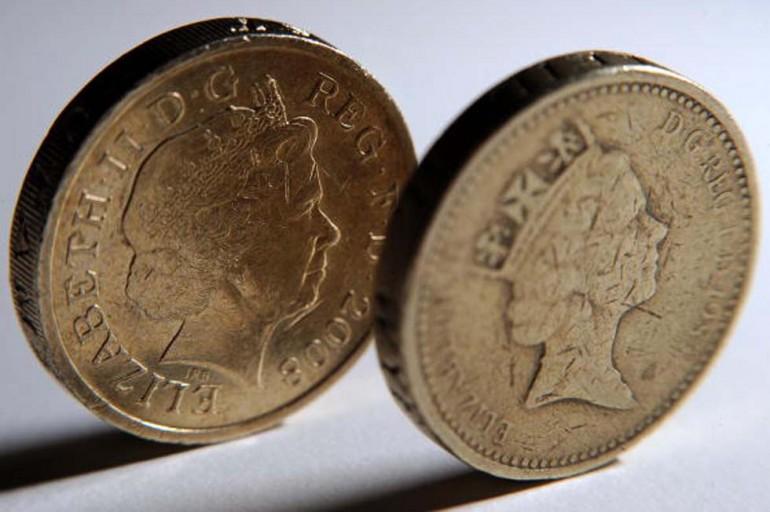 L'attuale moneta da una sterlina (Foto: BEN STANSALL/AFP/Getty Images)