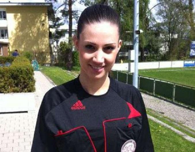 Aurélie Bollier arbitro sexy 15