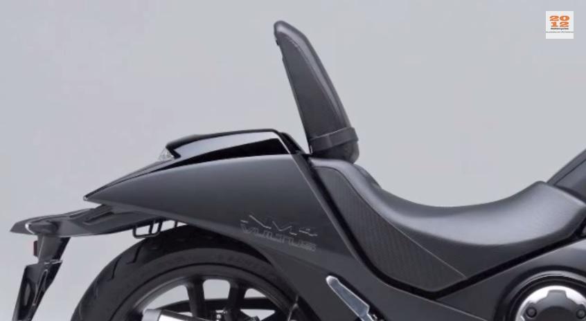Honda Nm4 Vultus La Moto Di Batman Diventa Realt 224 Foto
