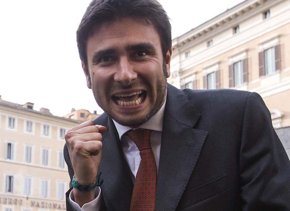 Alessandro di battista il pap preferito dalle italiane for Esponenti movimento 5 stelle