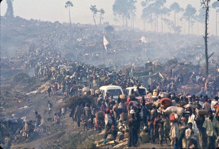 La fuga dei ruandesi verso Goma (by Greg Marinovich)