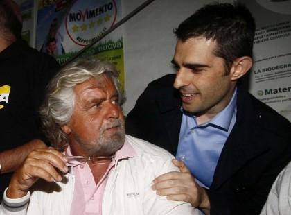 Il sindaco di Parma Federico Pizzarotti con Grillo (Foto Spada - LaPresse)