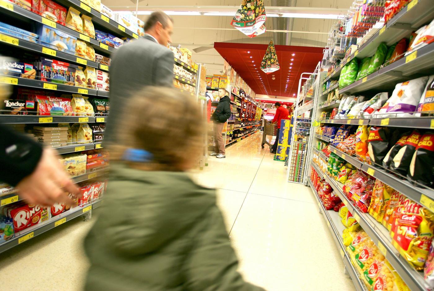 Il calo infinito dei consumi in Italia