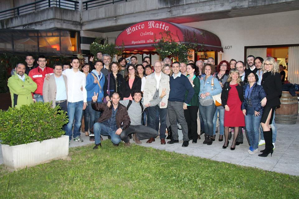 Pizzarotti e gli attivisti di Bergamo (Fb/Seriate 5 Stelle)