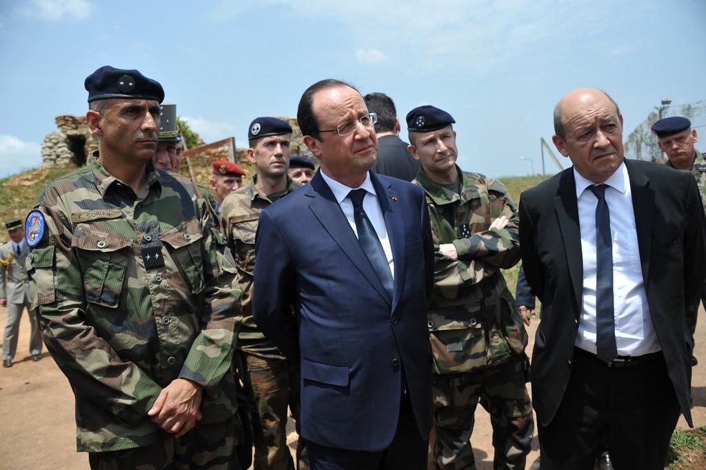 Il Presidente Hollande in visita al contingente francese a Bangui