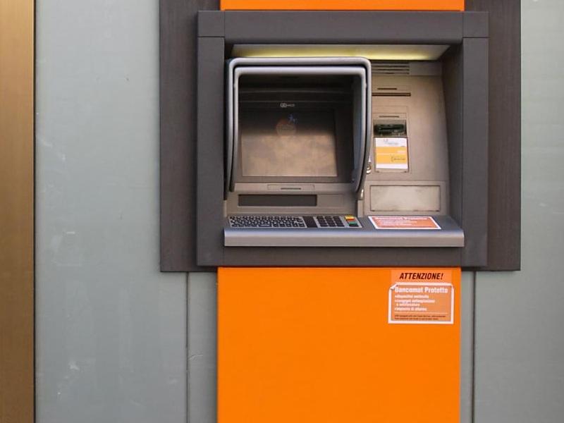 sportello bancomat 2