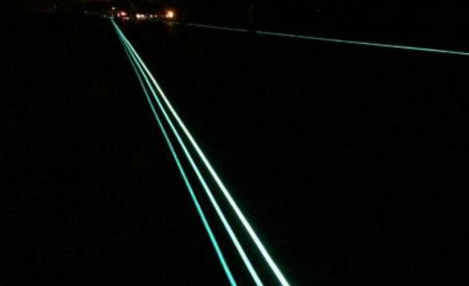 strada illuminata strisce 4