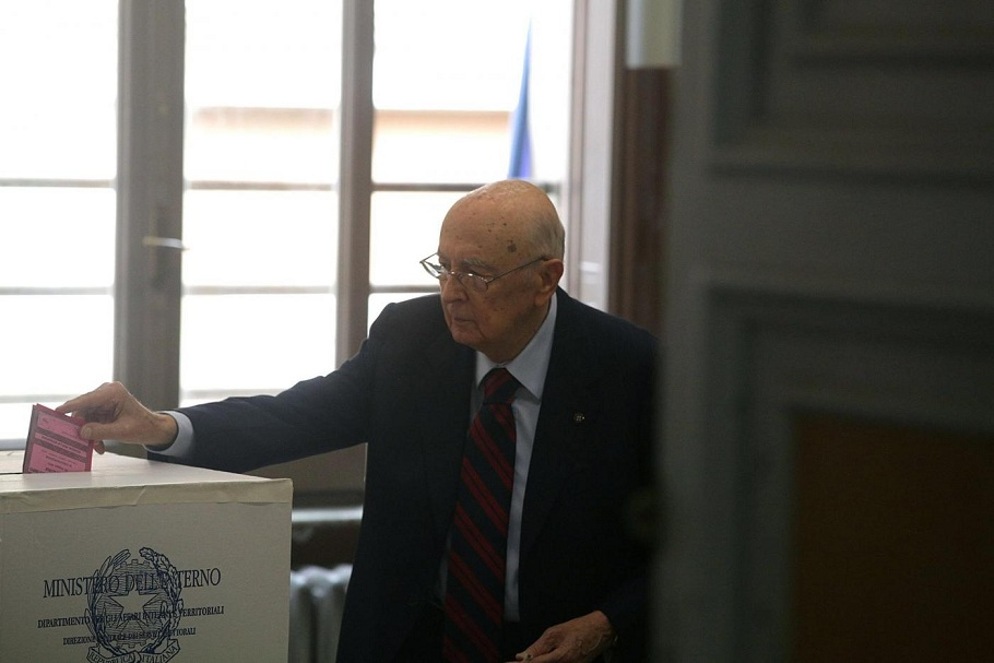 Il presidente della Repubblica, Giorgio Napolitano, si reca a votare