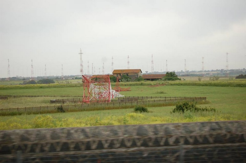 Le antenne abbattute (Photocredit Facebook)