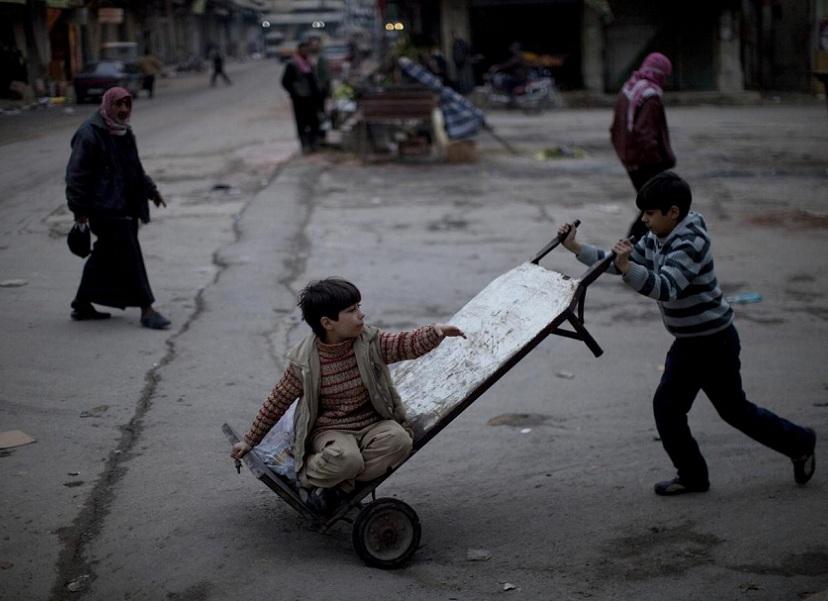 I feriti dai cecchini  dell'esercito siriano