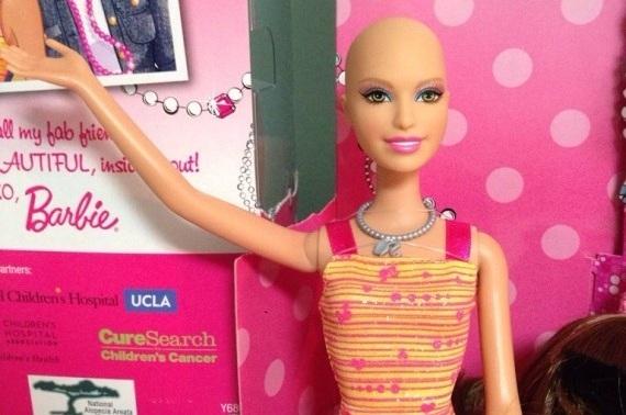 La barbie senza capelli che 39 aiuta 39 i bambini malati di cancro giornalettismo - Arreglar la casa de barbie ...