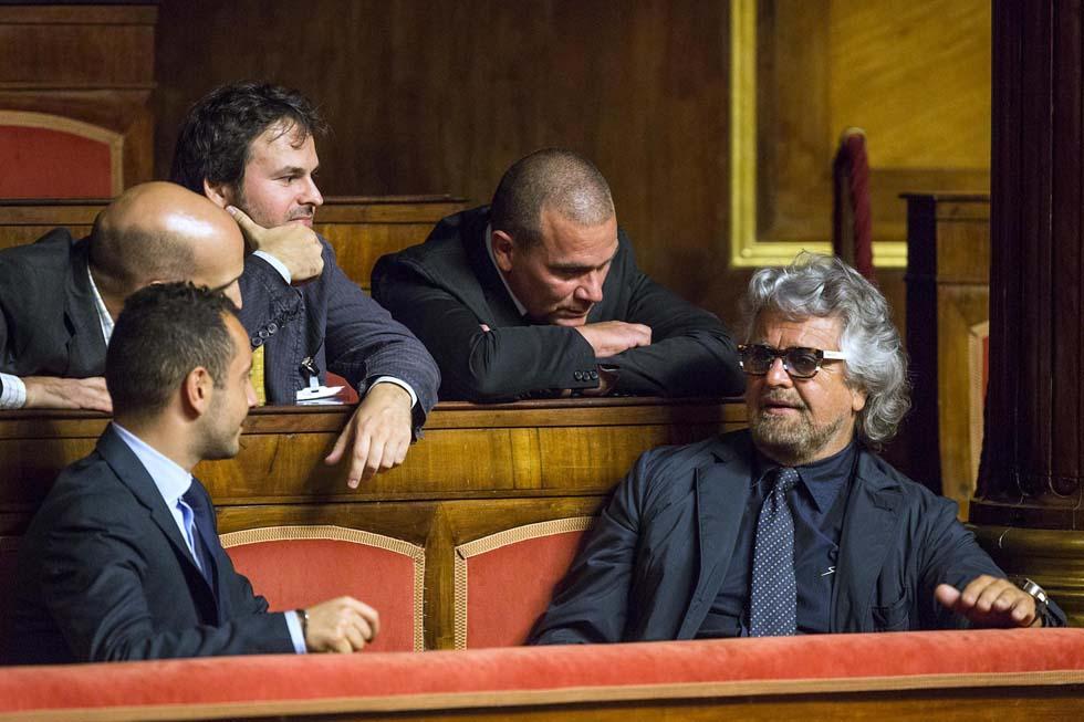 Beppe Grillo in tribuna al Senato - Foto: Roberto Monaldo/LaPresse