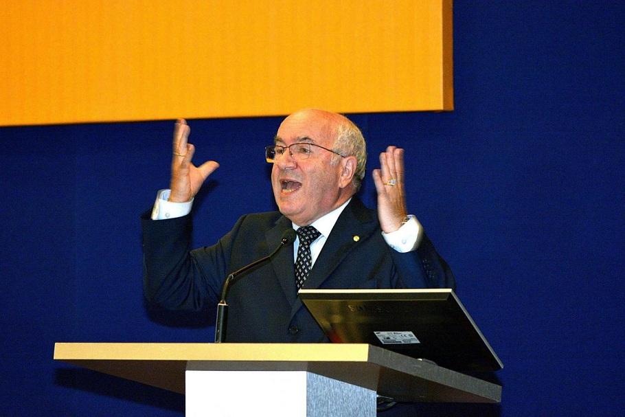 Carlo Tavecchio all'assemblea Lega Nazionale Dilettanti LND