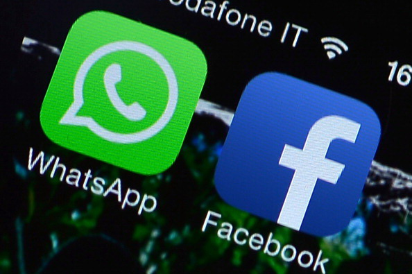 ITALY-US-FACEBOOK-WHATSAPP-STOCKS-COMMUNICATION