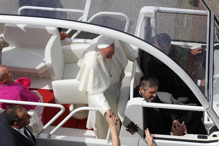 Il Papa in visita pastorale nella citt di Caserta