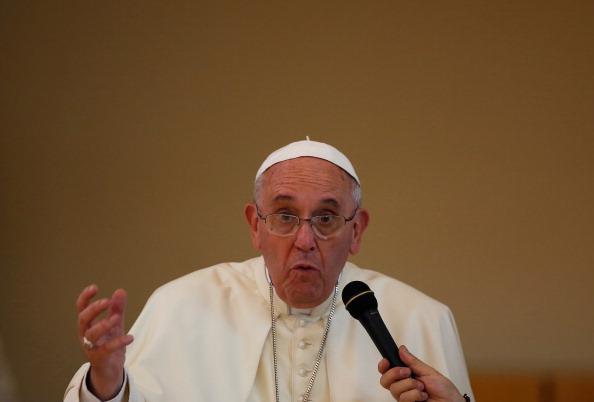 Il Papa non ha detto che non si può bombardare