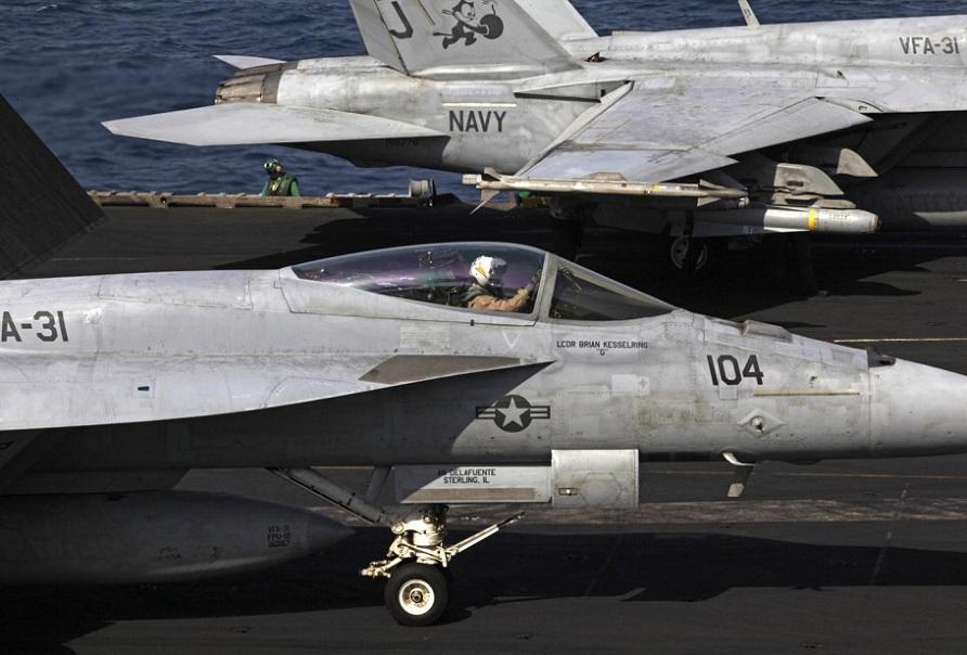 Ecco gli aerei che gli USA stanno usando per attaccare ISIS in Iraq: i Boeing F-18