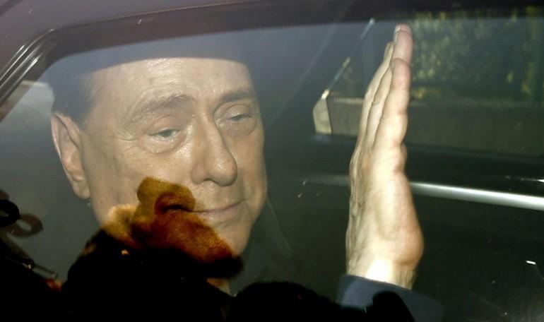 Berlusconi Finto Finto Zoff a Berlusconi