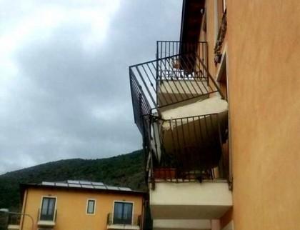 crollo balcone aquila 1