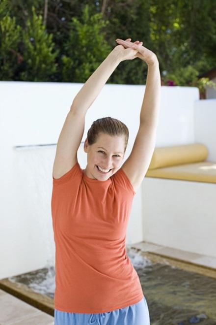 I 10 modi per rimetterti in forma anche senza iscriverti - Palestra a casa esercizi ...