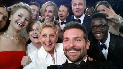 Il selfie da Oscar twittato da Ellen De Generes  (Foto: AP Photo/Ellen DeGeneres)
