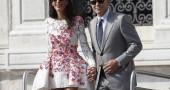 4. L'abito che Amal Alamuddin ha indossato sabato sera per scambiarsi le promesse nuziali con George Clooney, resta ancora top secret: agli invitati è stato chiesto di lasciare lo smartphone a casa, quindi non sono trapelate foto. Ma, come successo per un altro matrimonio vip - quello di Angelina Jolie e Brad Pitt - dovremmo poterlo vedere presto. (Foto: AP Photo/Luca Bruno)