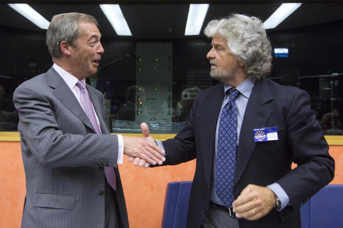 Beppe Grillo e Nigel Farage incontrano i deputati del gruppo Efdd