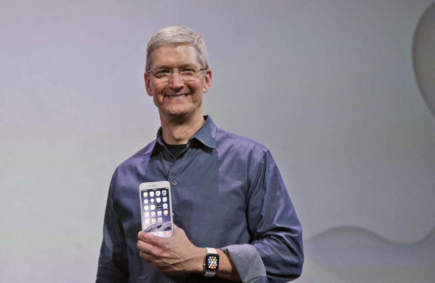 Il Ceo di Apple Tim Cook (Lapresse-AP Photo/Marcio Jose Sanchez)
