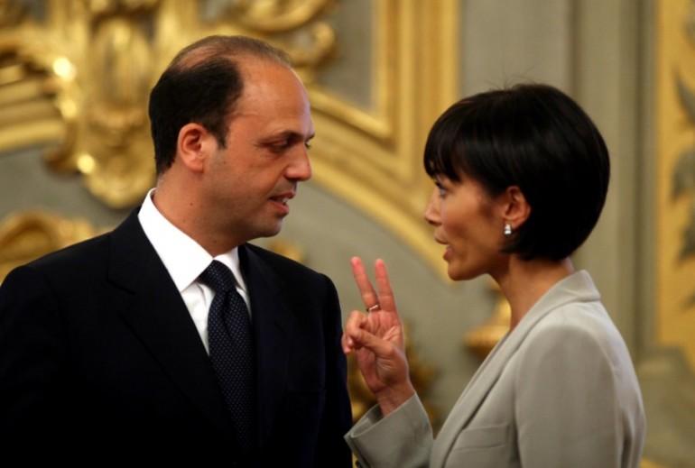 Unioni civili, Forza Italia si smarca da Alfano