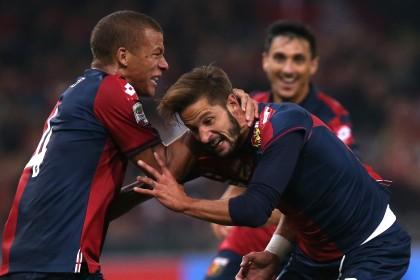 GENOA-JUVENTUS La gioia di Antonini, De Maio e Burdisso (MARCO BERTORELLO/AFP/Getty Images)