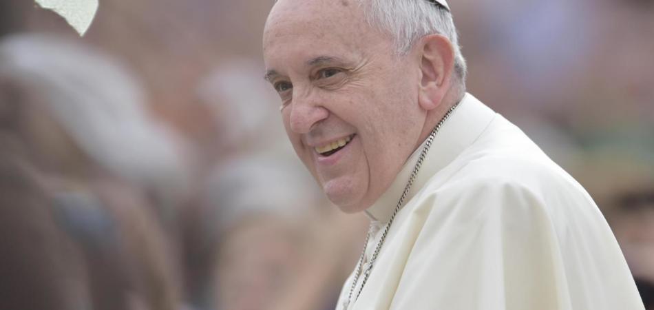 Papa Francesco incontrerà il ragazzo seviziato col compressore