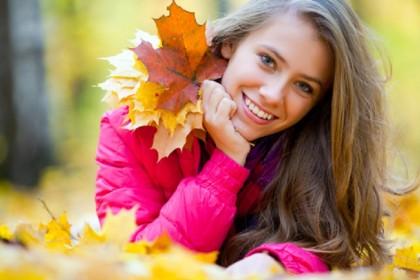 7. E LE VECCHIE CASTAGNATE NEI BOSCHI? - L'autunno è una stagione meravigliosa per una passeggiata nei boschi o nei parchi della tua città. Cammina molto e spesso: ti aiuterà a mantenerti in forma. (Foto: Thinkstock)