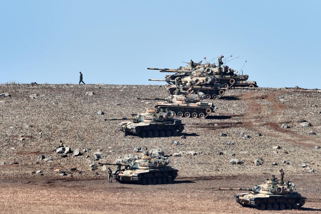 Gi Stati Uniti soccorrono Kobane, la Turchia apre il confine