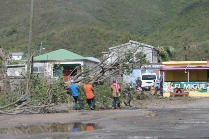 I danni prodotti dal passaggio di Gonzalo a Saint Martin (Foto: STRINGER/AFP/Getty Images)