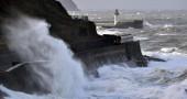 L'Italia sferzata dal vento fa discutere Twitter