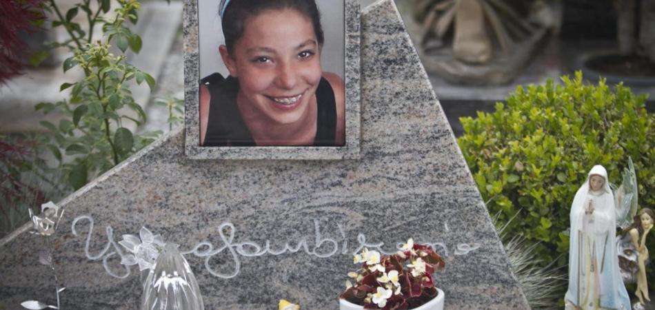 Yara, i legali di Bossetti: «la vittima fu spogliata, ferita e rivestita»