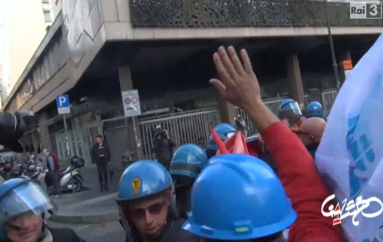 cariche polizia manifestanti ast terni operai gazebo 1