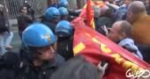 Nuovo video della polizia che carica agli operai, coro su Twitter: «Alfano dimettiti»