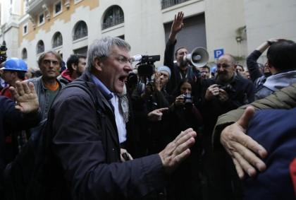 Scontri Ast e polizia a Roma.  Foto Vincenzo Livieri - LaPresse 29-10-2014 Roma, Italia