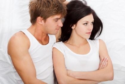 4. NON DICI MAI QUELLO CHE TI PIACE – Sono pochi i problemi che non possono essere risolti parlandone e il sesso è uno di questi. Se quello che fai con il tuo partner non ti piace e non ti fa stare bene, parlagliene. E trovate una soluzione. (Foto: Thinkstock)