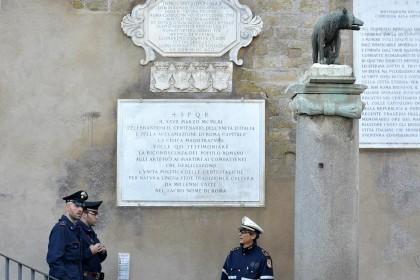 Mafia, arresti e perquisizioni alla Regione Lazio e al Campidoglio: indagato anche Alemanno