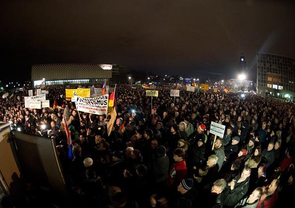 Marcia di Pegida a Dresda. ARNO BURGI/AFP/Getty Images