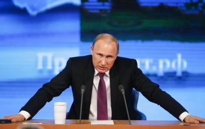 """Tutti contro Putin: il piano europeo per abbassare il prezzo del """"suo"""" gas"""